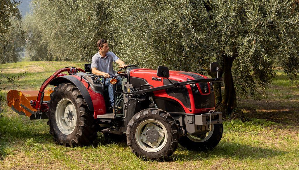 tracteurs étroits, Valtra