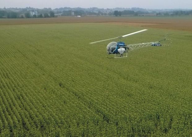 semis de couverts par hélicoptère