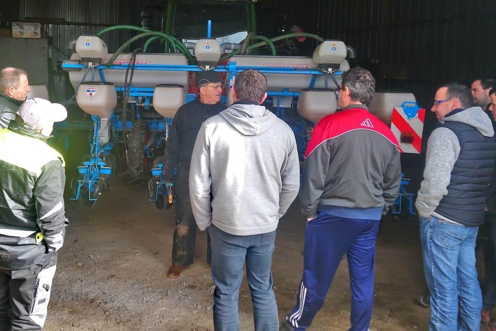 Semoirs à maïs : Intervention d'un expert des matériels de semis dans le Morbihan