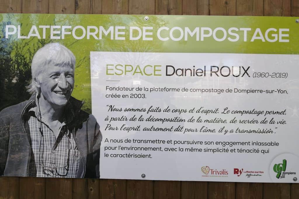 Espace Daniel Roux : L'enseigne