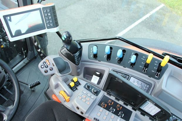 tracteur Kubota M6002 cabine