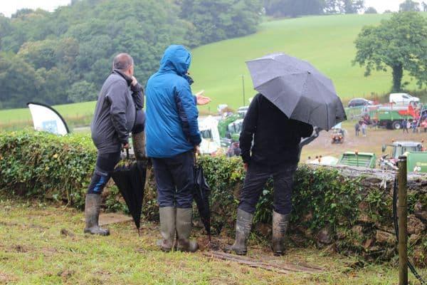 agriculteurs pluie matériels