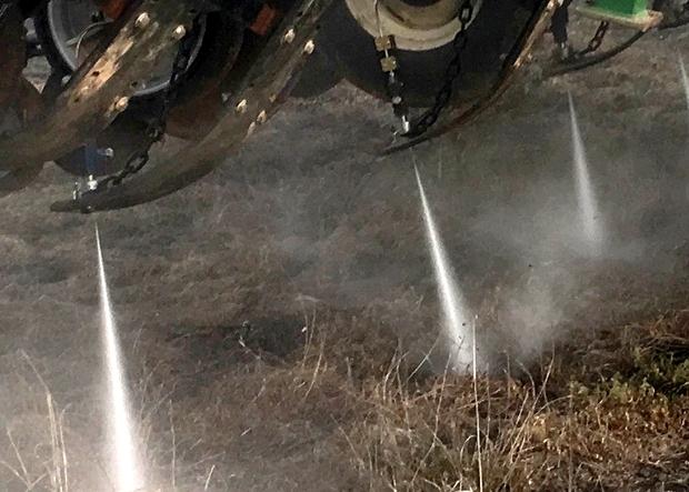 AquaTill jet d'eau pour trancher le sol